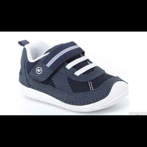 👟👟 toddler stride rite soft sneaker👟👟